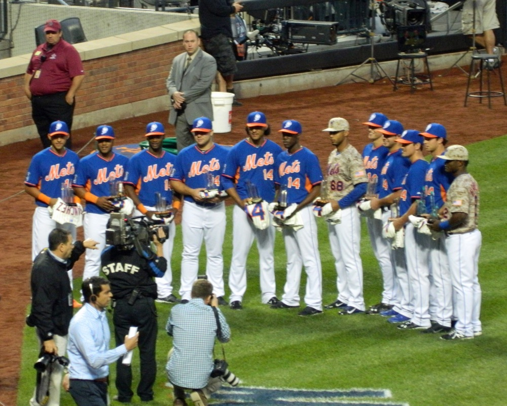 The New York Mets' 2014 Sterling Award winners pose for a group photo before last night's game. (Photo credit: Paul Hadsall)