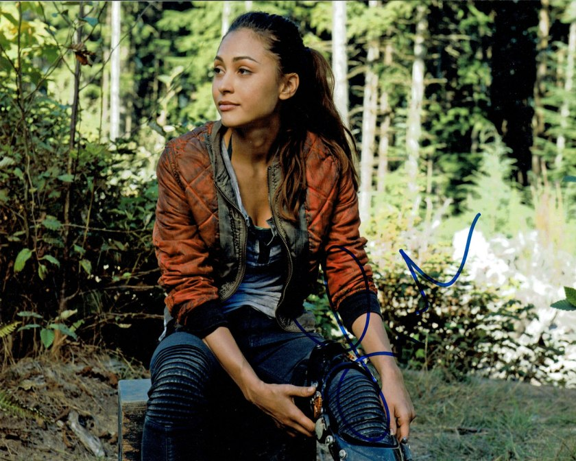Lindsey-Morgan-as-Raven-Reyes